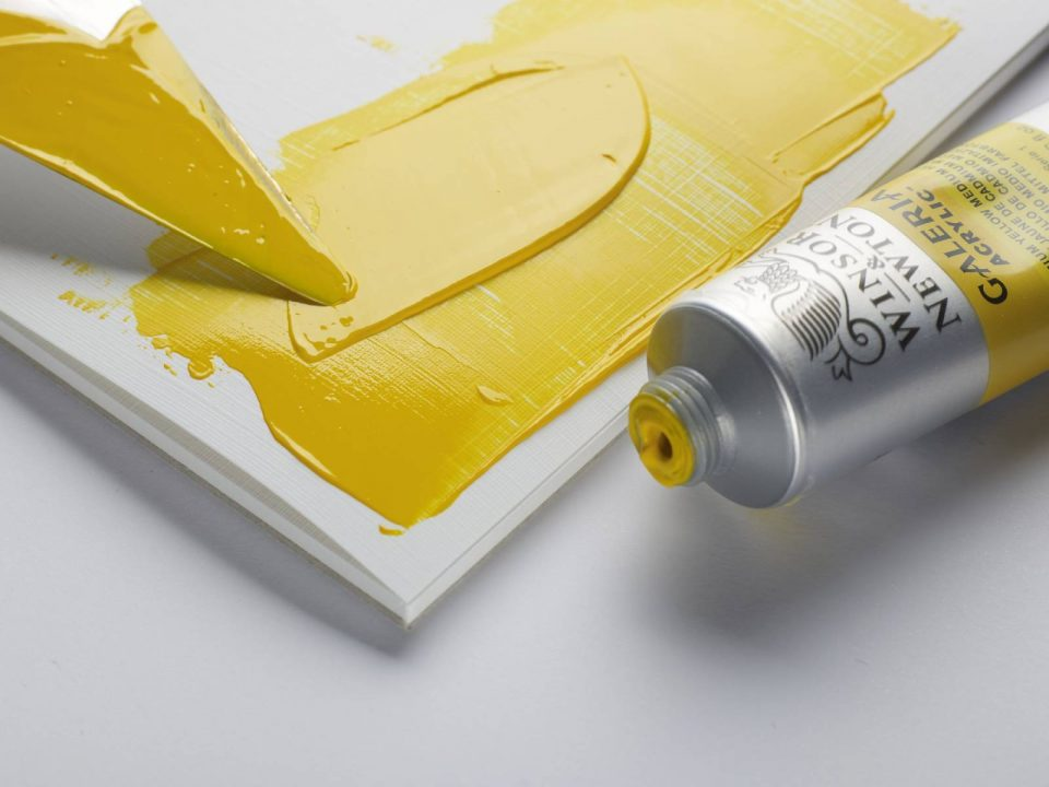 Choosing a surface for acrylic painting
