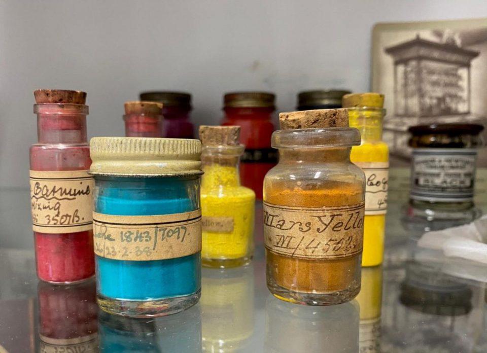 Winsor & Newton pigments
